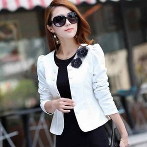 White long sleeve blazer